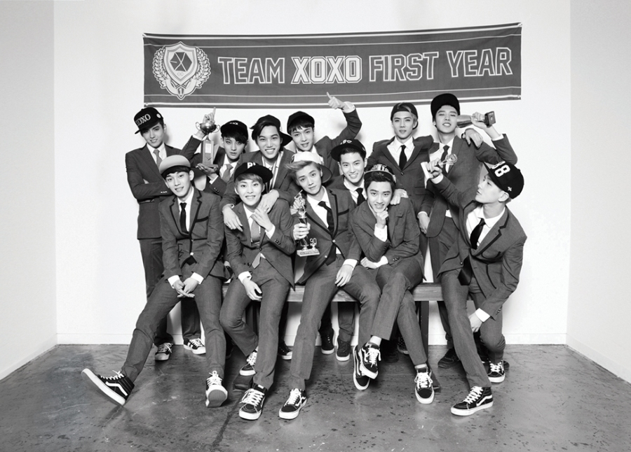 PRE-ORDER EXO THE FIRST ALBUM – XOXO (HUGS/KISS VERSION)